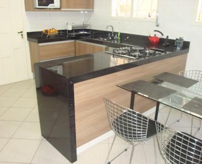 Bancada da Cozinha em Granito Preto São Gabriel